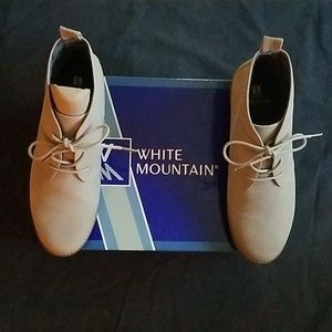 NWB White Mountain Ankle Boots